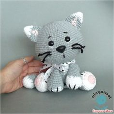 how to crochet a tiny lil cat! good for amigurumi/crochet beginners WHAT YOU'LL NEED: - cat colored yarn - crochet hook - embroidery thread (black & . Chat Crochet, Crochet Diy, Crochet Amigurumi, Amigurumi Patterns, Amigurumi Doll, Crochet Crafts, Crochet Dolls, Crochet Projects, Crochet Cat Pattern