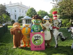 PBS KIDS characters hanging out on the While House lawn.
