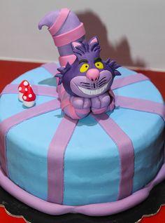 Cheshire Cat Alice in Wo derland Cake
