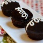 Fauxtess Cupcakes (vegan) I am thinking coconut cocoa cupcakes