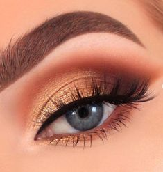 35 Stunning Shimmer Eye Makeup Designs in 2019 Try Page 7 of 7 # 2019 . - 35 Stunning Shimmer Eye Makeup Designs To . Shimmer Eye Makeup, Blue Eye Makeup, Eye Makeup Tips, Makeup Tricks, Smokey Eye Makeup, Makeup Kit, Makeup Eyeshadow, Eyeshadow Palette, Makeup Ideas