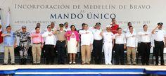 El Gobernador de Veracruz, Javier Duarte de Ochoa, instaló el Mando Único Policial en el municipio de Medellín de Bravo, con la finalidad de garantizar la tranquilidad y bienestar social de los habitantes del municipio.