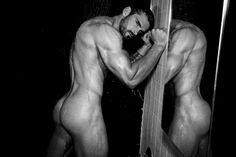 STUART-REARDON-BY-THOMAS-SYNNAMON-5 - Поиск в Google