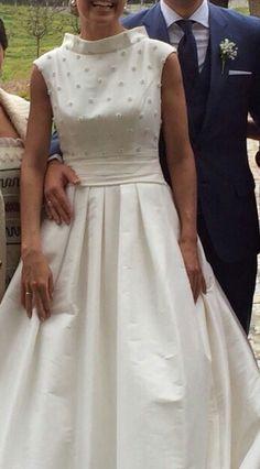 ¡Nuevo vestido publicado!  PRONOVIAS 2015 mod. Madra ¡por sólo 1100€! ¡Ahorra un 50%!   http://www.weddalia.com/es/tienda-vender-vestido-novia/pronovias-2015-mod-madra/ #VestidosDeNovia vía www.weddalia.com/es