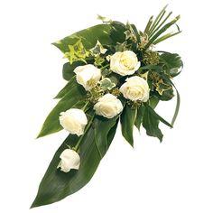 Rouwboeket witte rozen Funeral Bouquet, Funeral Flowers, Funeral Flower Arrangements, Deco Floral, Casket, Diy And Crafts, Centerpieces, Floral Wreath, Presentation