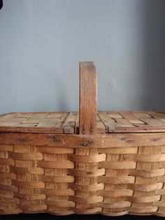 *VINTAGE* Farmhouse Picnic Basket - store cookie cutters, jars, fabric