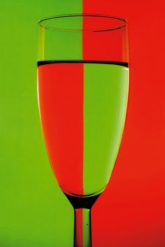 A simple tutorial for bending light through glass objects to create cool colours in your #photography.