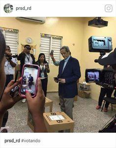 15 de mayo de 2016, en el colegio electoral ubicado en el colegio Luis Muñoz Rivera de Naco, dia de las elecciones presidenciales. Ultima aparicion en publico.