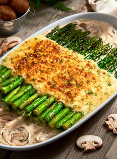 Asparagus & Mushroom Gratin is a quick and easy go-to recipe for any day of the week. Supremo® Brand Mexican Sour Cream from V&V SUPREMO®, Grated Sierra® Brand Cotija Cheese from V&V SUPREMO®, Chihuahua® Brand Quesadilla Cheese from V&V SUPREMO®, and fresh vegetables are perfect partners in this tasty side dish! #LoveMyQueso