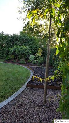 Villa Ovesholm/Köksträdgård - Hemma hos lindalarsson3 Garden Deco, Vegetable Garden Design, Landscape Architecture, Outdoor Living, Pergola, Planters, Sidewalk, Garage, Villa