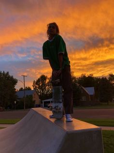 Best Picture For skater girl outfits beanie For Your Taste You are looking for something, and it is Summer Aesthetic, Retro Aesthetic, Aesthetic Grunge, Aesthetic Photo, Aesthetic Girl, Aesthetic Pictures, Aesthetic Clothes, Aesthetic Drawing, Skate Wallpaper