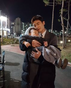 Yoo Ah In sent coffee truck to Park Hyung Sik and SUIT drama team ------------------- SUIT drama short teaser cr. Park Hyung Sik Hwarang, Park Hyung Shik, Asian Actors, Korean Actors, Korean Dramas, Park Hyungsik Cute, Kim Book, Emergency Couple, Nct