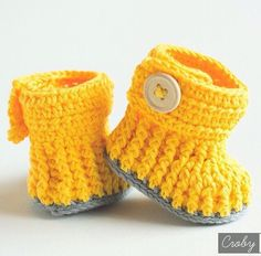 Crochet Pattern for Baby Booties - Violet Drops - Crochet Baby Shoes by… Crochet Bebe, Unique Crochet, Crochet Baby Booties, Baby Shoes Pattern, Drops Patterns, Baby Shoe Sizes, Knitted Booties, Bebe Baby, Baby Boots