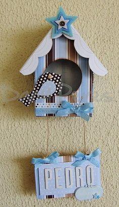 Maken van hout, beplakken met papier, speeldoosje erin....