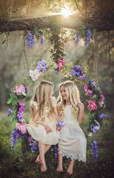 69 Best ideas for wedding pictures poses with kids sisters Sibling Photography, Photography Props, Children Photography, Outdoor Photography, Fashion Photography, Wedding Photography, Girl Photos, Family Photos, Family Posing