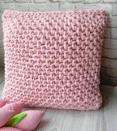Crochet Pillow, Knit Or Crochet, Crochet Granny, Knitting Projects, Crochet Projects, Hand Knitting, Knitting Patterns, Cozy Blankets, Beautiful Crochet