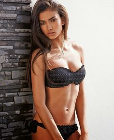 KELLY GALE FOR CALZEDONIA