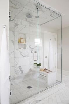 70 Inspiring Farmhouse Bathroom Shower Decor Ideas And Remodel To Inspire Your Bathroom 45 Master Bathroom Shower, White Bathroom, Bathroom Interior, Small Bathroom, Bathroom Showers, Marble Bathrooms, Marble Tile Shower, Marble Showers, Bathroom Large Tiles