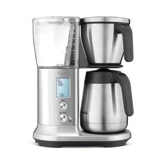 Breville presents the world's first drip coffee maker precise enough to deliver craft filter coffee brewing automatically. The Precision Brewer Thermal Craft Coffee Maker offers ultimate customization with Gold Cup certified results. Thermal Coffee Maker, Best Drip Coffee Maker, Breville Espresso Machine, Stainless Steel Coffee Maker, Coffee Maker Reviews, Coffee Brewer, Espresso Coffee, Coffee Coffee, Coffee Shop