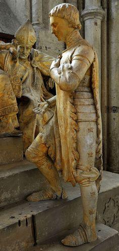 Noyon Cathédrale Notre-Dame - Monument commémoratif de la réhabilitation de Jeanne d'Arc (détail), 1912.