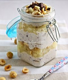 Ricotta chese, pears and chocolate jars Mini Desserts, Dessert Recipes, My Favorite Food, Favorite Recipes, Good Morning Breakfast, Dessert In A Jar, Cheesecake, Food Humor, Light Recipes