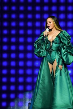 Beyonce posted a plethora of snaps of her concert ensembles on Tuesday. The star gave her fans a charge as she showcased her elaborate wardrobes used for the On The Run II Tour with husband Jay Z. Beyonce Knowles Carter, Beyonce And Jay Z, Beyonce Beyonce, Global Citizen Festival, Beyonce Style, Fans, Queen B, Vestidos, Artists
