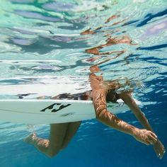 Surfing holidays is a surfing vlog with instructional surf videos, fails and big waves Summer Vibes, Summer Feeling, Summer Surf, No Wave, Beach Aesthetic, Summer Aesthetic, Vans Surf, Good Vibe, Surfing Pictures