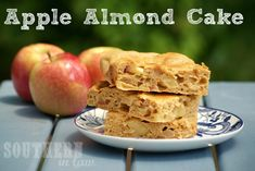 A Healthy but Delicious Apple Almond Cake which will please even the fussiest of critics. Perfect for an on-the-go snack or afternoon tea. Low Fat, Gluten Free, Sugar Free, Clean Eating Friendly