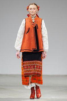 Фото та Відео    Ukrainian Fashion Week. Oksana Fedko · український народний  костюм 714b6e5a58d70