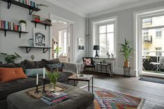 Cozy Swedish Home In Grey Tones - Gravity