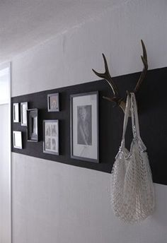 Flur 2 Geweih Garderobe - Hints for Women Hallway Displays, Striped Walls, Interior Design Inspiration, Decoration, Home And Living, Living Room, Sweet Home, Gallery Wall, Home And Garden