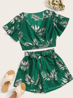 To find out about the Leaf Print Surplice Front Top & Belted Shorts at SHEIN, part of our latest Two-piece Outfits ready to shop online today! Teenage Outfits, Cute Girl Outfits, Cute Summer Outfits, Cute Casual Outfits, Pretty Outfits, Kids Outfits, Girls Fashion Clothes, Teen Fashion Outfits, Punk Fashion