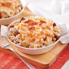 Macaroni and cheese with celery and bacon Bacon Pasta Recipes, Cheese Recipes, Cooking Recipes, Yummy Recipes, Boursin Cheese, Good Food, Yummy Food, Balanced Meals, Toddler Meals
