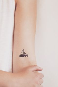 Tiny tattoos ideas for women