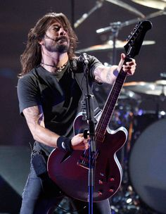 Love, love, love Dave Grohl from the Foo Fighters!