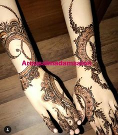 Image may contain: 1 person Henna Hand Designs, Mehndi Designs Finger, Floral Henna Designs, Indian Henna Designs, Mehndi Designs For Fingers, Wedding Mehndi Designs, Best Mehndi Designs, Arabian Mehndi Design, Khafif Mehndi Design