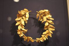 Gold Wreath - Jewellery - Wikipedia, the free encyclopedia Stone Jewelry, Jewelry Art, Jewellery, Ancient Jewelry, Antique Jewelry, Crown Aesthetic, Ancient Greek Art, Ancient Greece, Crown Drawing