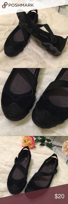 🆕 Columbia Damselfly Slip on Mary Jane Shoes Women's Columbia Damselfly Slip on Mary Jane Shoes in excellent condition with only signs of wear on the inner soles. These are so comfy and great for traction on wet terrain walks or hikes. Columbia Shoes Athletic Shoes
