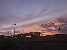 Il tramonto da casa  #LOSHOME // #chiaralosh #sun #sunset #sky #beautifuldestinations #beautiful #nature #natura #naturephotography #photography #photooftheday #photo #pink #clouds #landscape #instagram #igersmilano #igersitalia #igers #ig_italia #trainstation #train #love