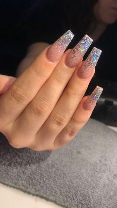 Semi-permanent varnish, false nails, patches: which manicure to choose? - My Nails Frensh Nails, Nails 2018, Hair And Nails, Fake Gel Nails, Nail Nail, Perfect Nails, Gorgeous Nails, Pretty Nails, Nagellack Design