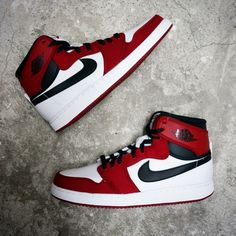If you can not get the AJ1 Chicago OG, AJ1 KO Chicago will be a good replacement for you.  Nike Air Jordan 1 KO High OG - Chicago 638471-101  https://www.kicks-crew.com/product_detail-5159-Nike-Air-Jordan-1-KO-High-OG-Chicago-638471-101