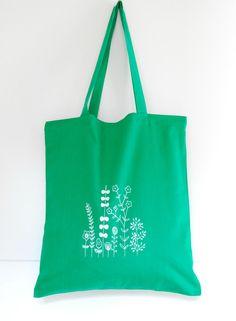 Summer is here! Beautiful emerald green hand screen printed tote bag by ArigatoBcn.