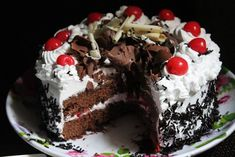 Susan Recipe: Yummmmy this is so delicious – Black Forest Cake … Chocolate Facial, Homemade Chocolate, Black Forest Cake Recipe Indian, Susan Recipe, Creamy Mashed Potatoes, Magic Recipe, Watermelon Recipes, My Best Recipe, Recipe Tasty