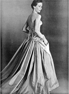Gigi in Pierre Balmain, 1952