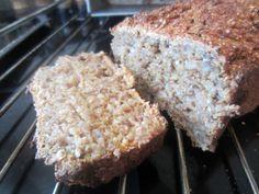 Gunns momsemat: Grovt og sunt bananbrød Bread And Pastries, Banana Bread, Snacks, Desserts, Food, Tailgate Desserts, Appetizers, Deserts, Essen