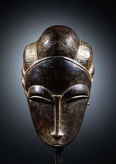 Baule Portrait Mask - now in the collection of the Yale University Art Gallery, New Haven Ivory Coast, Wood, century, Height: 27 cm Arte Tribal, Tribal Art, Statues, Contemporary African Art, African Sculptures, Art Premier, Masks Art, 3d Prints, African Masks