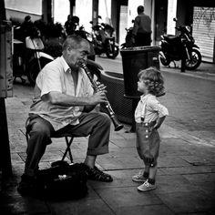 A zene szeretete összeköt. (Imádom ezt a képet! :))