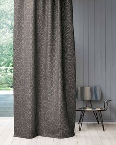 Création Baumann - GRANADA Nature with a touch of glamour. The contrast of natural linen and the gold or silver coloured dot design fascinates to form a harmonious entity of naturalness and elegance.