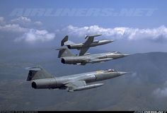 Nice formation of three F-104 belonging to the 9th and 37th Stormo flying together from Grazzanise airbase