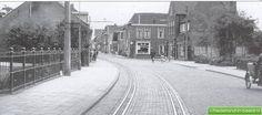 Voorschoten • Schoolstraat 1 t/m 11 • Ingang Schoolstraat Noord • Herfst 1961 | Nederland-in-beeld.nl